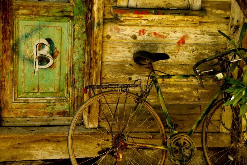 B pour le vélo photographie stock