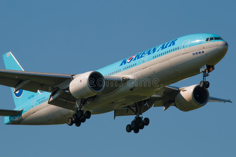 B777. PRAGUE, CZECH REPUBLIC - JUNE 6: Korean Air Boeing B777 lands at PRG Airport on June 6, 2015. Korean Air is the flag carrier and the largest airline of stock photography