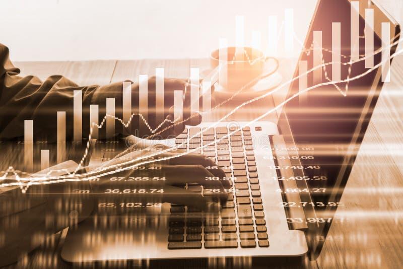 B?rse oder Devisenhandelsdiagramm und -kerzenst?nder entwerfen passendes f?r Finanzinvestitionskonzept Wirtschaft neigt Hintergru lizenzfreie stockbilder