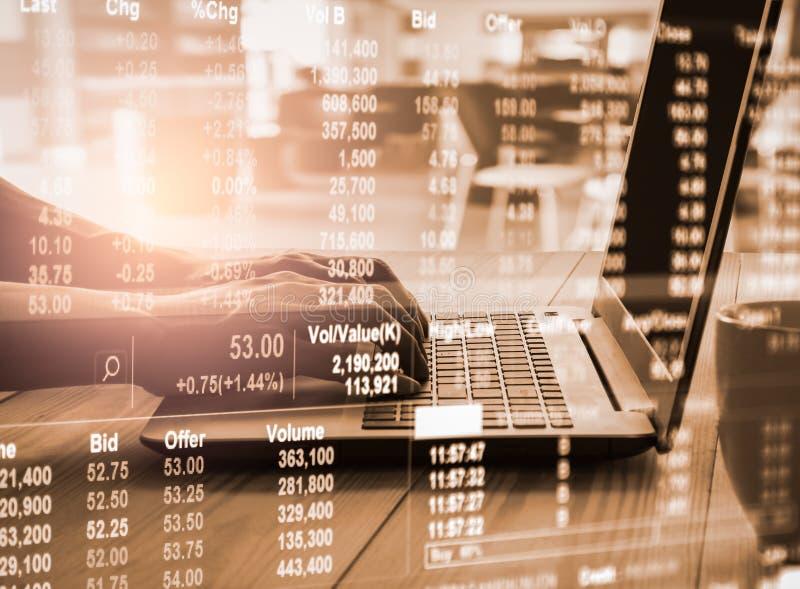 B?rse oder Devisenhandelsdiagramm und -kerzenst?nder entwerfen passendes f?r Finanzinvestitionskonzept Wirtschaft neigt Hintergru stockbild