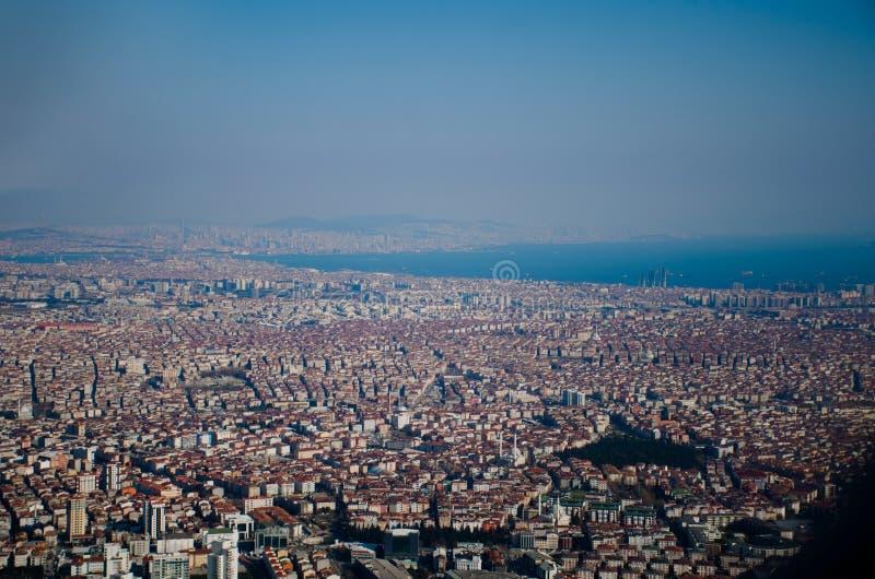 B?sta sikt f?r Istanbul stad fr?n niv?n royaltyfria foton