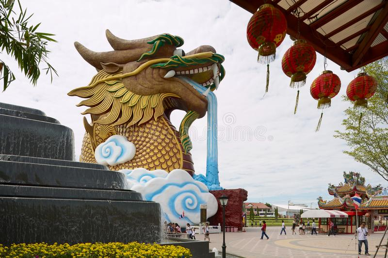 B?timent de mus?e de Dragon Descendants dans Suphan Buri, Tha?lande image stock