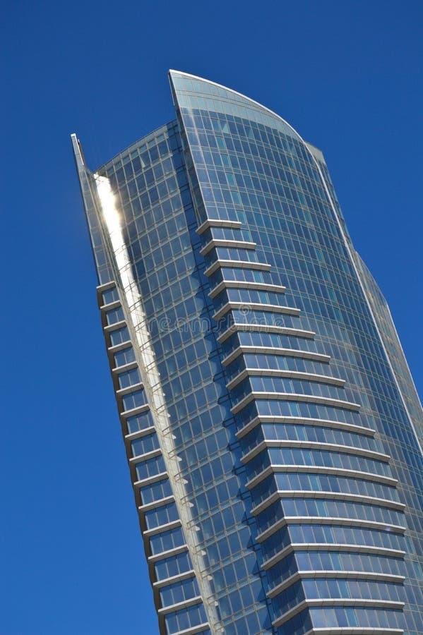 B?timent en verre moderne au centre de la ville photographie stock libre de droits