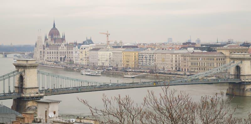 B?timent hongrois du Parlement de c?t? de Buda le 29 d?cembre 2017 images libres de droits