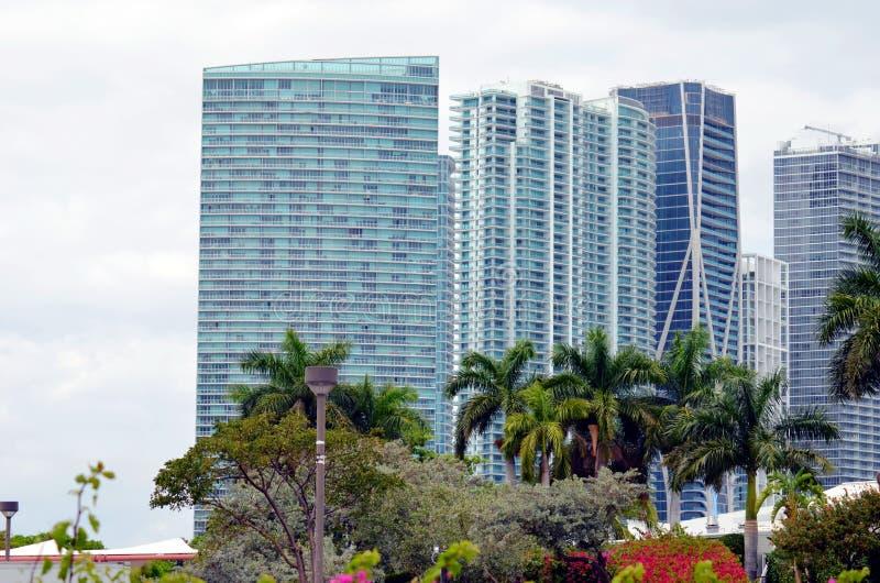 B?timents modernes ? Miami, la Floride photos stock