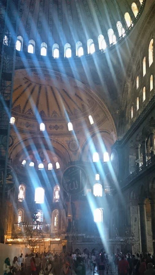 B?vedas y alminares de Hagia Sophia en la ciudad vieja de Estambul, Turqu?a, en puesta del sol foto de archivo