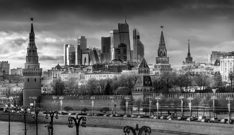 B&w de ville et de Kremlin de Moscou image stock