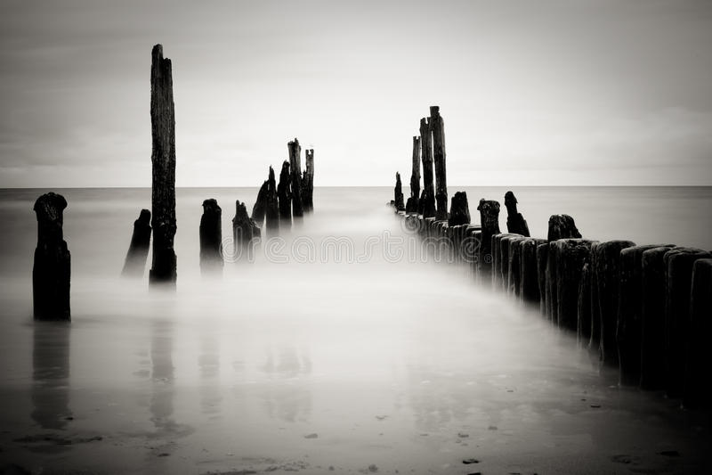 B&w sea image. (long exposure