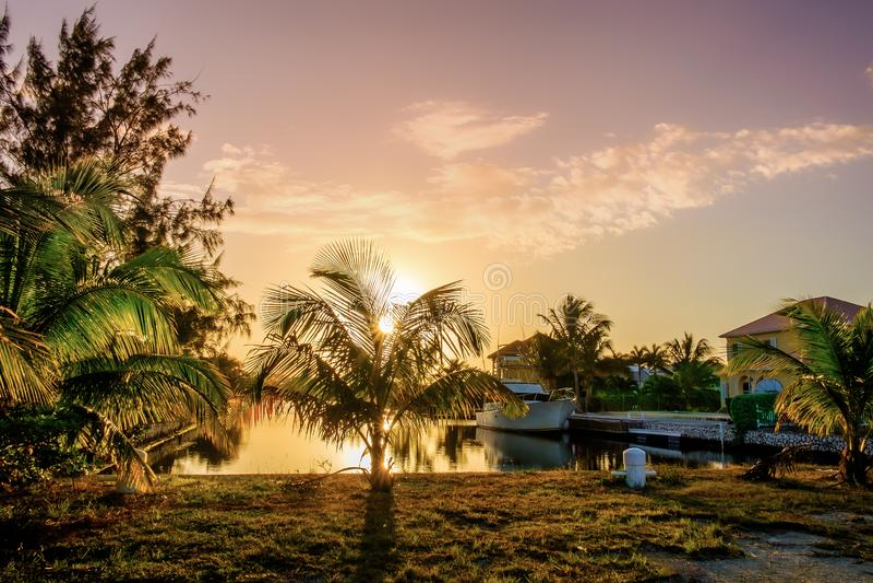 Baía-canal grande 4 do Caimão-oeste imagens de stock
