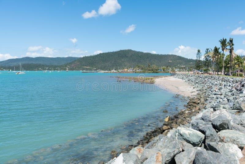 Baía de Airlie na praia de Airlie, Austrália fotos de stock royalty free