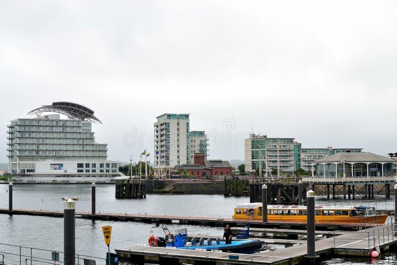 baía de cardiff em Gales, Reino Unido imagens de stock