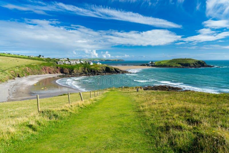 Baía de Challaborough e ilha Devon England do Burgh imagens de stock royalty free
