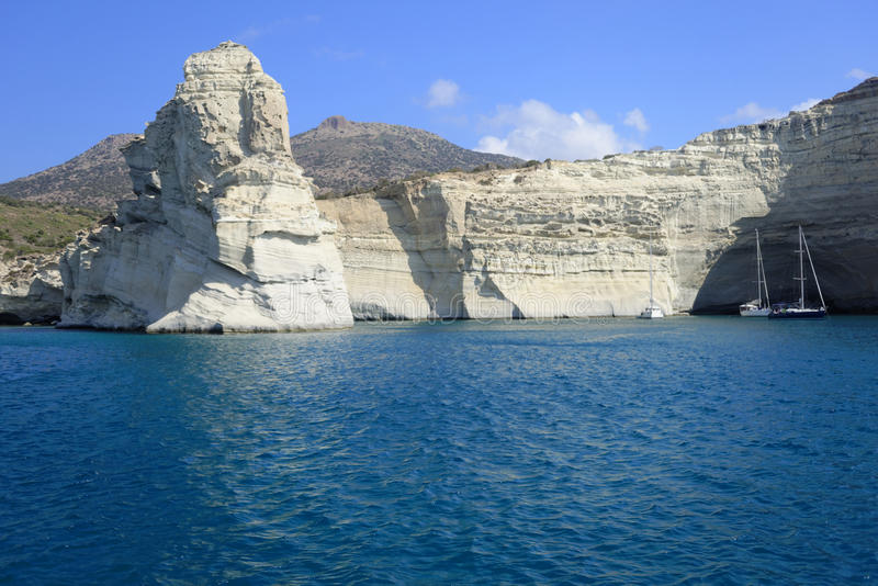 Baía de Kleftiko na ilha dos Milos imagem de stock royalty free