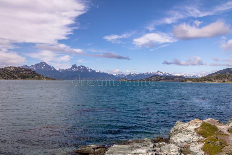Baía de Lapataia em Tierra del Fuego National Park no Patagonia - Ushuaia, Tierra del Fuego, Argentina imagem de stock