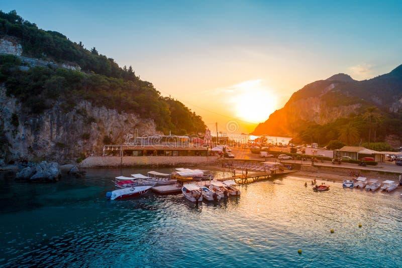 Baía de Paleokastritsa em Corfu, arquipélago Ionian, Grécia fotografia de stock