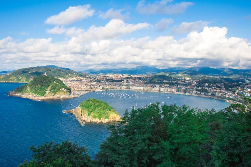 Baía de San Sebastian, país Basque spain fotos de stock royalty free