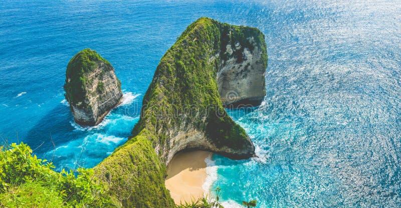 Baía do Manta ou praia de Kelingking na ilha de Nusa Penida, Bali, Indonésia imagens de stock royalty free
