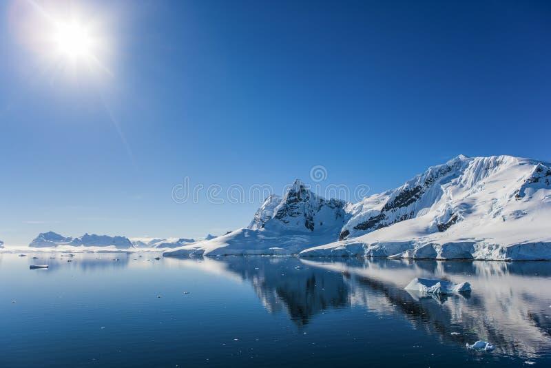 Baía do paraíso, a Antártica imagens de stock