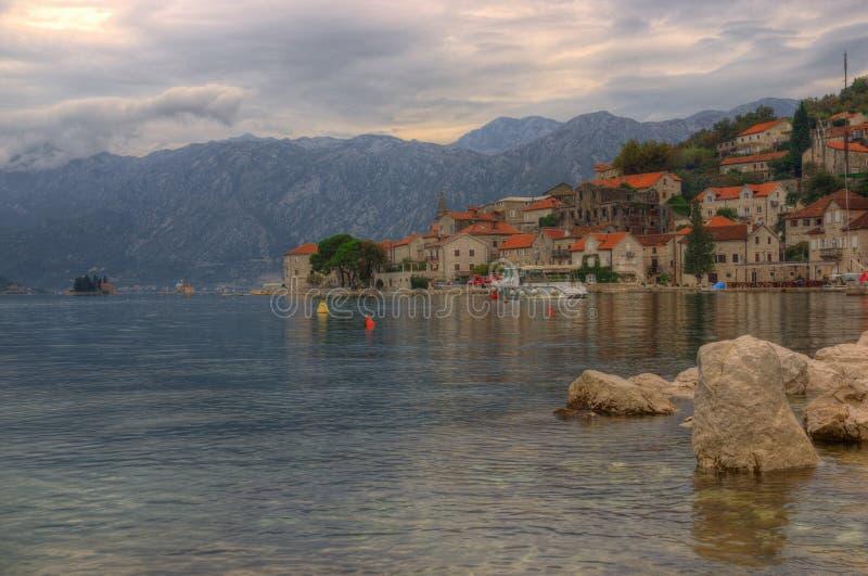 Baía e Perast de Kotor em Montenegro fotografia de stock