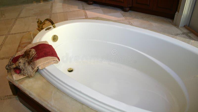 Bañera lujosa foto de archivo libre de regalías