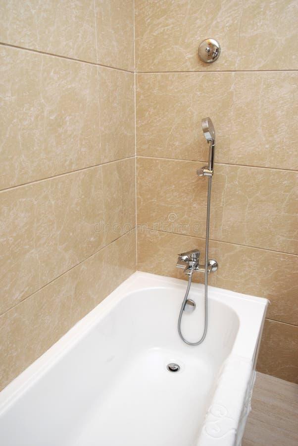 Bañera y ducha foto de archivo libre de regalías