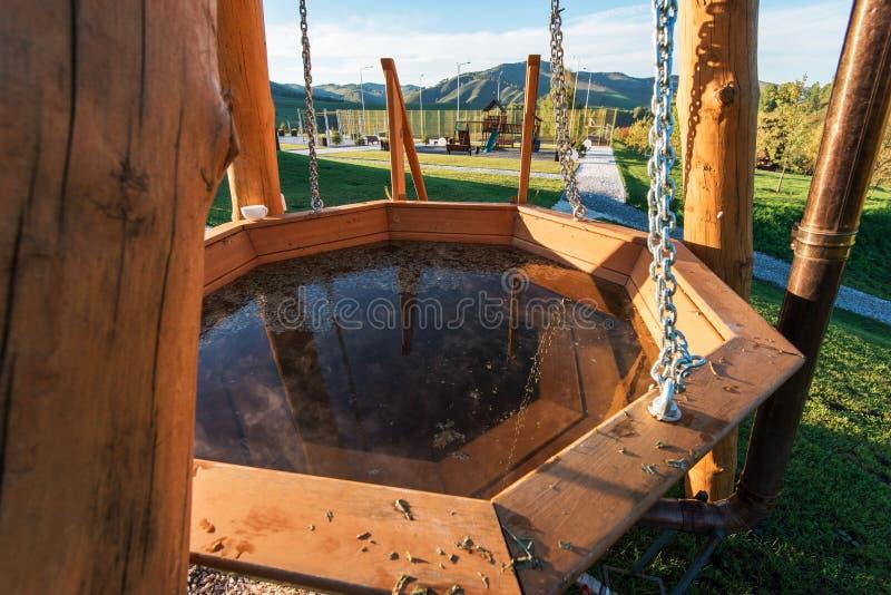 Baño, balneario y relajarse en la montaña imagen de archivo
