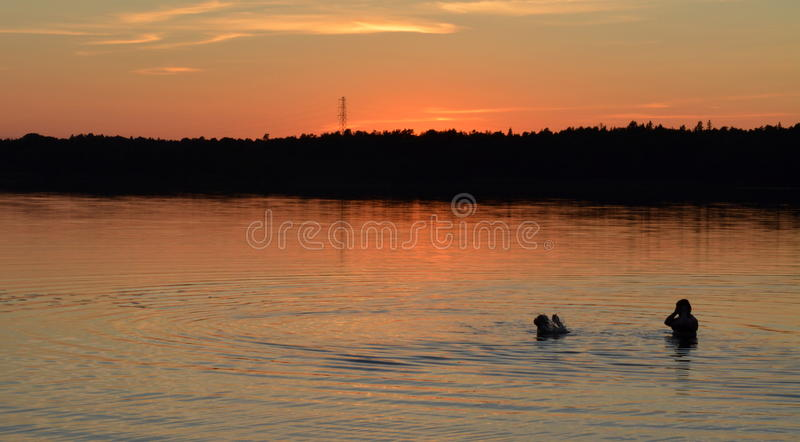 Baño de la puesta del sol fotografía de archivo libre de regalías