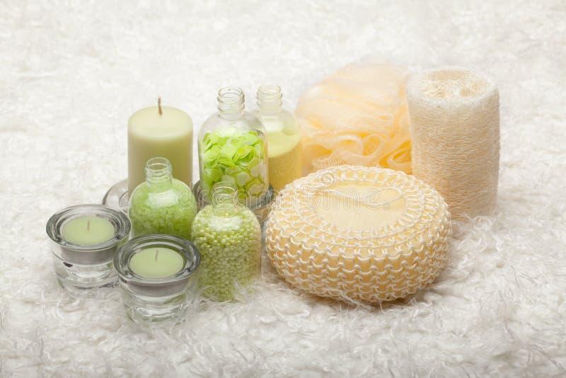 Baño - herramientas de la sal y del masaje imágenes de archivo libres de regalías