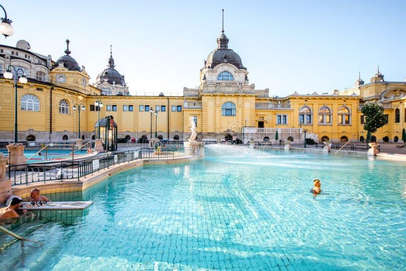 Baño medicinal de Szechenyi en Budapest imagenes de archivo