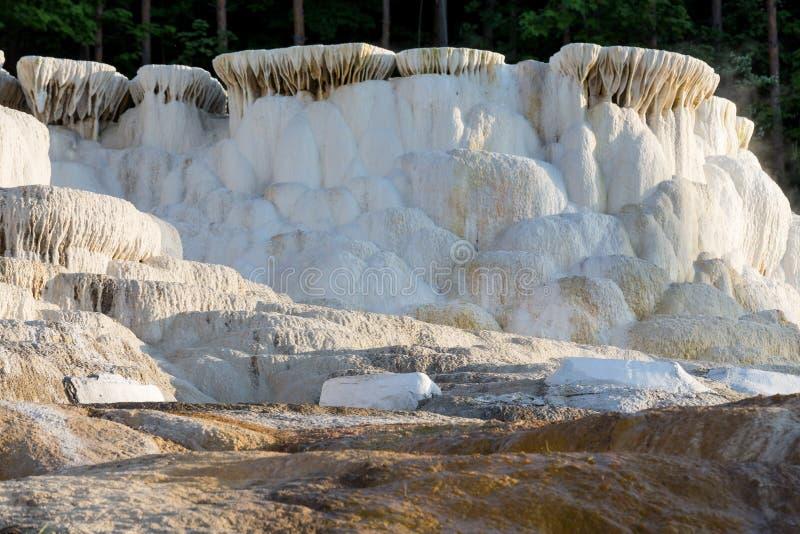Baños únicos de una sal en Hungría Egerszalok imagenes de archivo