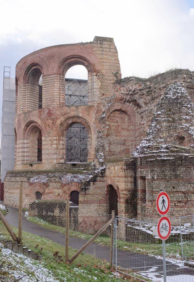 Baños imperiales - ruinas de baños antiguos fotografía de archivo