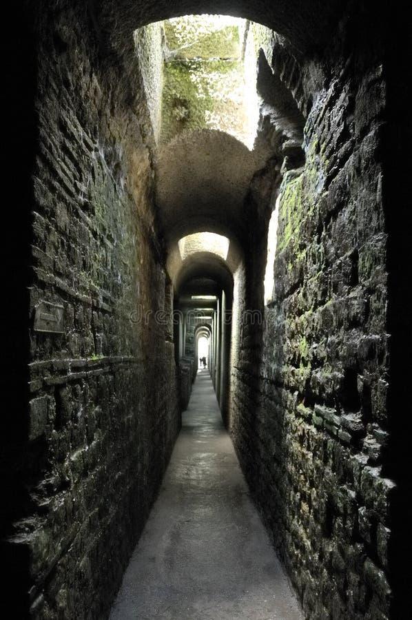 Baños romanos subterráneos imágenes de archivo libres de regalías