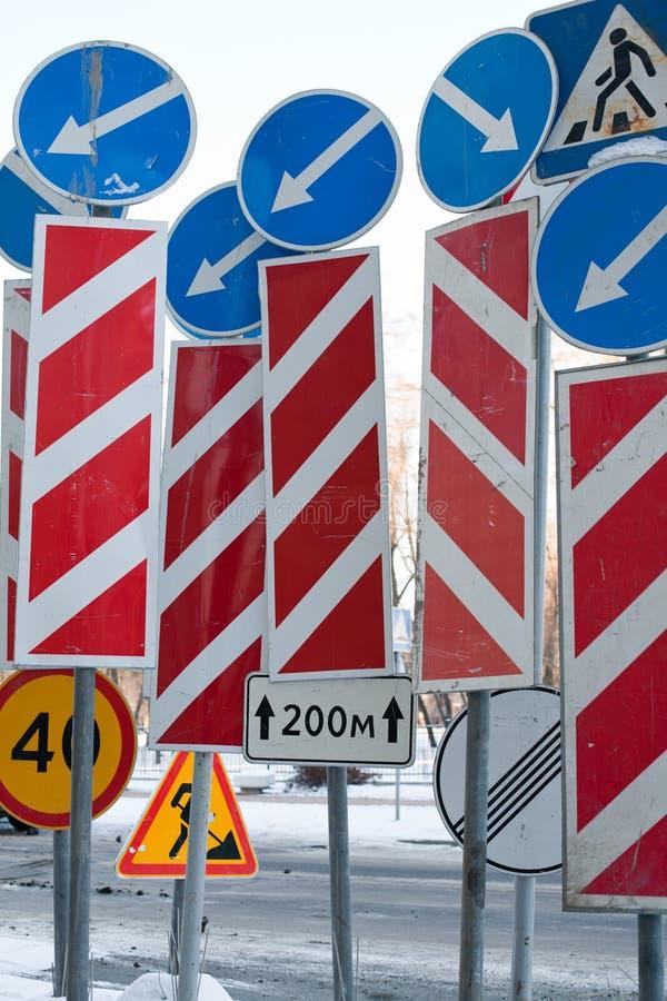 Bałagan ruchów drogowych znaki obrazy stock