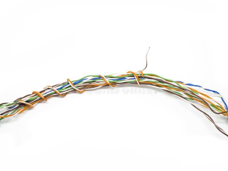 Bałagani kolorowego elektrycznego drut na odosobnionym białym tle obrazy royalty free