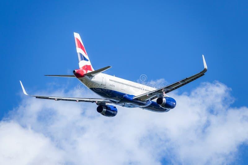 BA British Airways, Airbus A320 - 200 décollent image stock