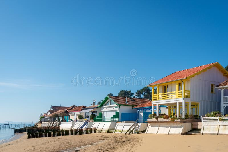 Ba?a de Arcachon, Fran?a A praia de uma vila da ostra perto de Cap Ferret fotos de stock