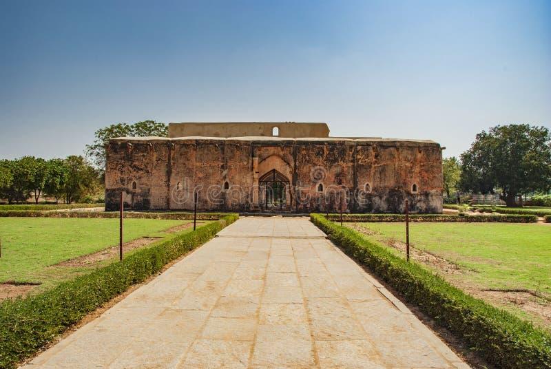 Ba?o del Queens, ruinas antiguas en Hampi, la India foto de archivo libre de regalías