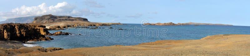 Baai in Eilandje van Djeu-ketting royalty-vrije stock afbeeldingen