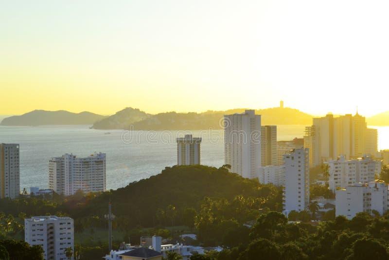 Baai van Acapulco in de ochtend royalty-vrije stock foto's