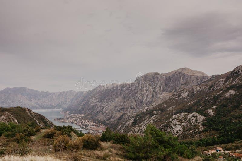 Baai van Kotor van de hoogten royalty-vrije stock afbeeldingen