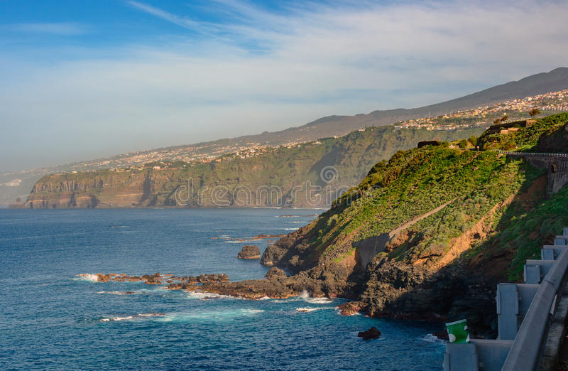 Baai van Puerto de la Cruz op het eiland van Tenerife royalty-vrije stock afbeeldingen