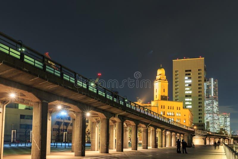 Baai van Yokohama in nachtscène stock afbeelding