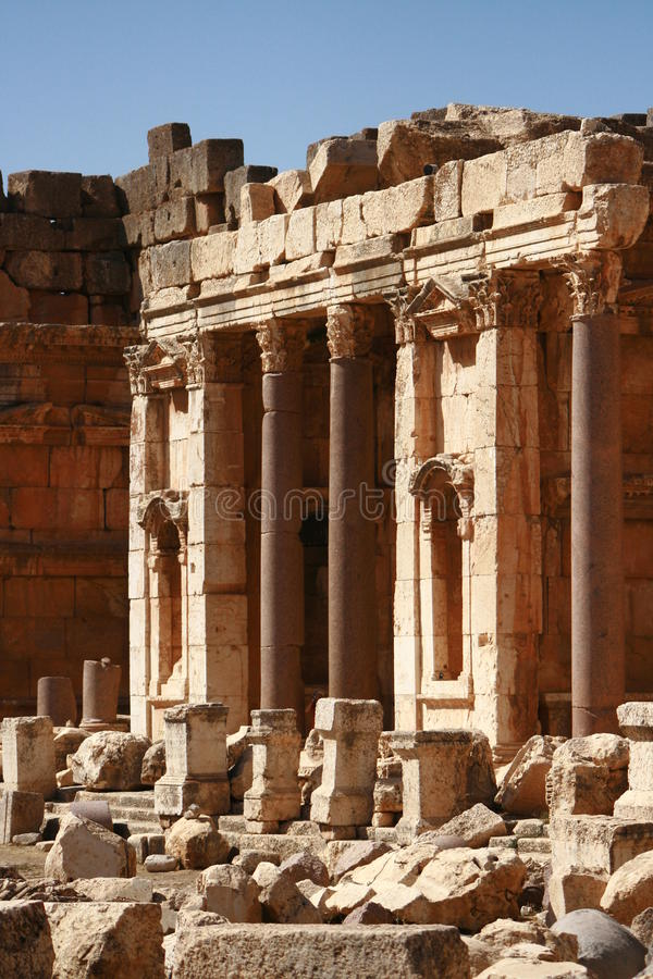 Download Baalbeck Lebanon Stare Ruiny świątynne Zdjęcie Stock - Obraz złożonej z historyczny, majestatyczny: 13330816
