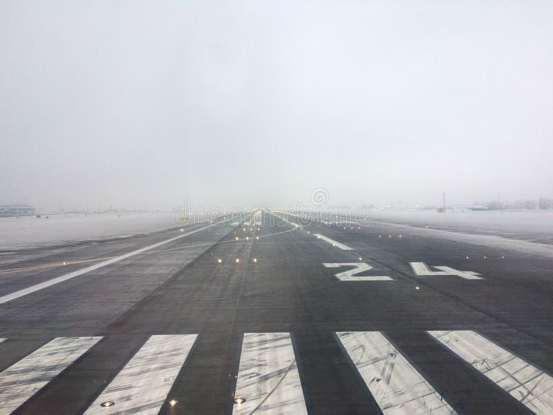 Baan op Vaclav Havel Airport in Praag royalty-vrije stock fotografie