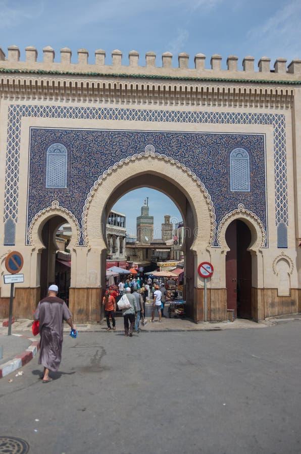 Bab Bou Jeloud, de Blauwe Poort, de belangrijkste ingang met poorten aan ol royalty-vrije stock fotografie