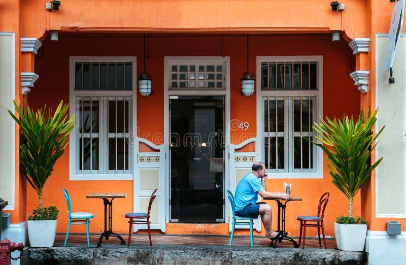 Baba Nyonya för gammal koloniinvånare traditionellt hus i kineskvarteret, Singapo royaltyfria foton