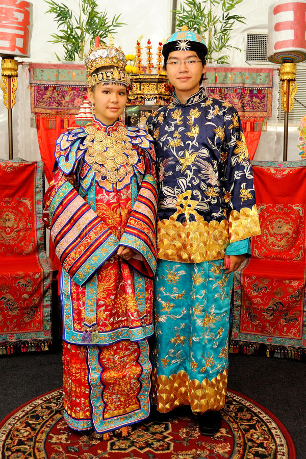 Baba Nyonya Wedding Couple imagem de stock