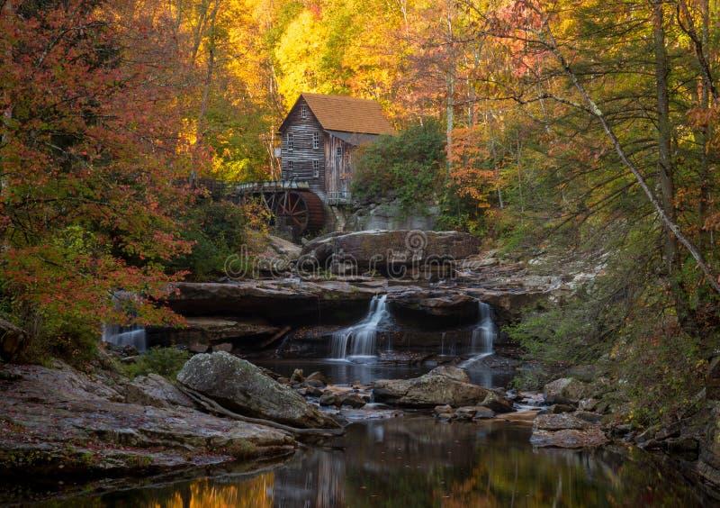 Babcock młyn w jesieni w Zachodnia Virginia zdjęcie stock