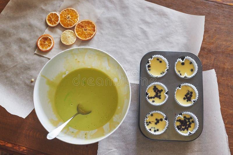 Babeczki ciasto i kształt fotografia stock