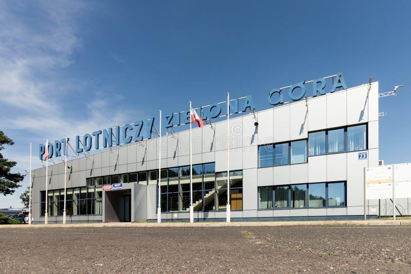 BABIMOST, POLEN - JUNI 24, 2019 Zielona Gora - Babimost-luchthaven stock afbeeldingen